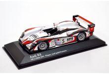 Minichamps 400041305 Audi R8 #5 'Seiji Ara - Rinaldo Capello - Tom Kristensen' winner Le Mans 2004