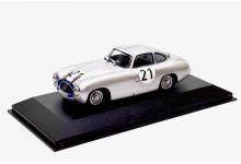Max Models - Minichamps 3310 Mercedes Benz 300SL #21 'Herrmann Lang - Fritz Riess' 1st pl Le Mans 1952
