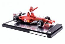 Mattel 54614 Ferrari F2002 #1 'Michael Schumacher' 5 times F1 World Champion 2002