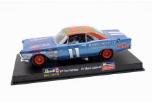 Monogram 85-4895 Ford Fairlane #11 'Mario Andretti' winner Daytona 500 1967