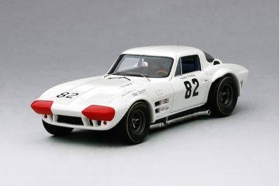 """TSM-Models TSM164317 Chevrolet Corvette Grand Sport #82 """"Roger Penske"""" Winner Nassau Speedweek 1964"""