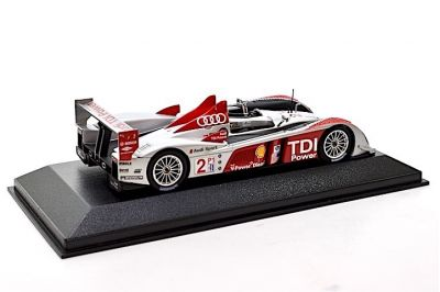 Minichamps 400071692 Audi R10 Audi Sport N.A. #2 'Frank Biella - Emanuele Pirro - Marco Werner' winner 12 hrs of Sebring 2007
