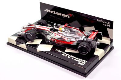 Minichamps 530084322 McLaren Mercedes Vodafone MP4-23 'Lewis Hamilton' F1 World Champion 2008